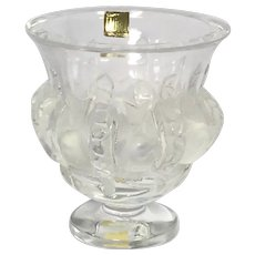 Stunning French Lalique  Dampierre Sparrow Vase. Original Lalique Labels