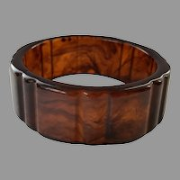 Vintage Rootbeer Ribbed Bakelite Bangle Bracelet