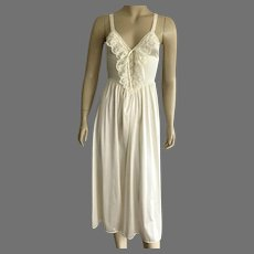 Olga Nylon and Spandex Cream Nightgown Size S Made In USA