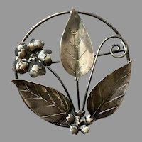 Vintage 1940's Sterling Floral Round Frame Pin