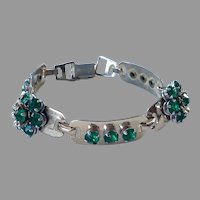 1940's Barclay Gold Tone Bracelet With Emerald Green Stones