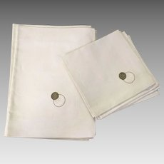 Set Of Four Irish Linen Embroidered Placemats With Napkins Never Used In Box