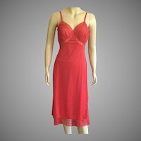 Vintage 1960's Van Raalte Red Full Slip With Lace Details 32