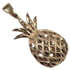 Vintage Hawaiian 14K Gold Pineapple Pendant