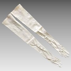 Vintage Kay Fuchs Ivory Stretch Satin Evening Gloves