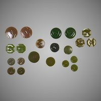 Vintage Group Of 21 Green Bakelite & Plastic Buttons