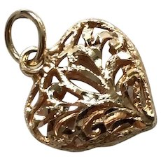 Vintage 14K Yellow Gold Filigree Heart Pendant / Charm