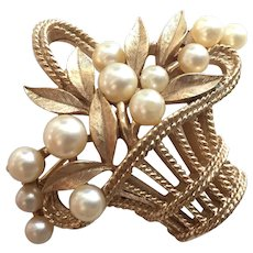 Vintage Trifari Gold Tone Faux Pearls Basket Of Flowers Pin