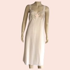 Vintage Lady Lynne Beige Full Slip With Peach Embroidery