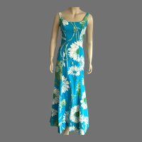 Vintage 1960's Hostess Maxi Dress With Daisies