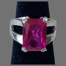 Vintage Sterling Ring With Fuchsia Unfoiled Glass Stone