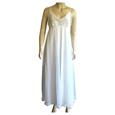 1960's Tosca Lingerie White Nylon Nightgown Negligee With Lace