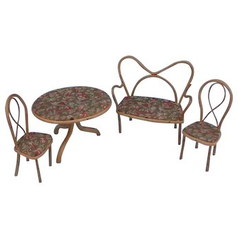 Vintage dolls house bent cane conservatory set of table, two chairs and a sofa.