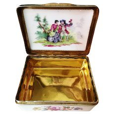 German silver gilt mounted porcelain snuff box. ca 1750-1760. STUNNING