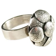 Much Sought After Elis Kauppi, Kupittaan Kulta Finland, 1960s Modernist Sterling Silver Ring.