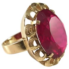 Massive 11.2gram 18k Gold Synthetic Ruby Cocktail Ring. Warsaw, Poland 1960s.