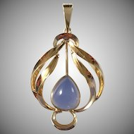 Johan Petterson, Stockholm year 1959 Mid Century 18k Gold Chalcedony Pendant. Excellent.