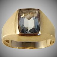 Hedberg, Sweden year 1967. Mid Century Modern 18k Gold Rock Crystal Ring.