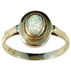 Mid Century 14k Gold Opal ring. Unknown Designer/Maker Mark.