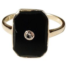 Eli Axelson, Stockholm year 1935 Art Deco 18k Gold Diamond, Onyx Unisex Ring. Size 7 1/4