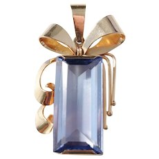 Hallberg, Sweden year 1950 Mid Century 18k Gold Intense Blue Synthetic Spinel Pendant. Excellent.