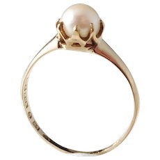 E Harbeck, Gothenburg year 1919, 18k Gold Cultured Pearl Ring.