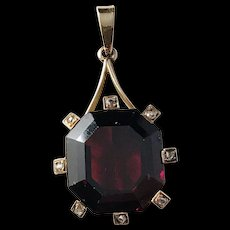 Anders Gustaf Millberg, Stockholm year 1860-1888, Victorian 18k Gold Rose Cut Diamond and Garnet Pendant.