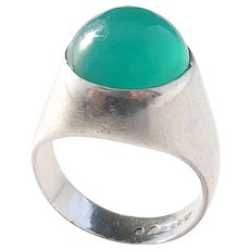 Kaplan, Stockholm year 1957 Mid Century Modern Solid Silver Chrysoprase Pinky Ring