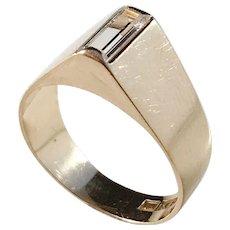 Alton, Sweden year 1967 Modernist 18k Gold Rock Crystal Ring.
