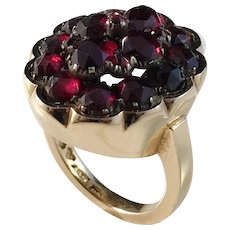 Erling Ahlen, Stockholm year 1964, Chunky 18k Gold Garnet Pinky Ring. Excellent.