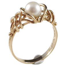 Guldvaruhuset, Stockholm year 1952 Mid Century 18k Gold Cultured Pearl Ring. Excellent.