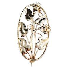 H Andersson, Sweden 1940s. Floral Lily 18k Gold Brooch. 6.0gram. Excellent.
