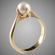 Nordiska Juvelaktiebolaget, Sweden year 1930, 18k Gold Cultured Pearl Ring. Excellent.