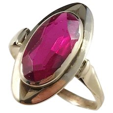 Mid Century Modern 14k Gold Synthetic Ruby Ring.