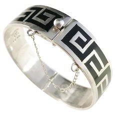Mexico Maker JEF, Vintage Sterling 950 Silver Onyx Inlay Open Close Bangle Bracelet.