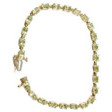 Mid Century 14k Gold Peridot Bracelet.