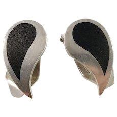 Poul Warmind, Denmark 1960s Sterling Silver Matte Enamel Clip-on Earrings. Design no 1