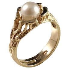 Ceson, Gothenburg year 1974 Modernist 18k Gold Cultured Pearl Ring. Excellent.