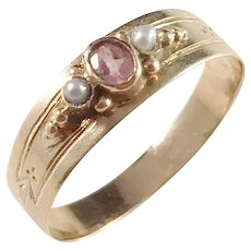 Emil Möller, Sweden year 1900, Edwardian 18k Gold Paste and Seed Pearl Ring.