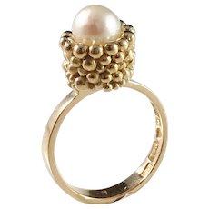 J Klintz, Sweden year 1969 18k Gold Cultured Pearl Ring. 7.5gram.Excellent.