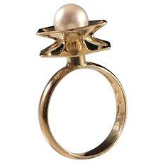 Alton, Sweden year 1972 Modernist 18k Gold Cultured Pearl Ring. Excellent.