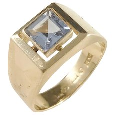 Guldvaruhuset, Stockholm year 1940, Mid Century 18k Gold Synthetic Spinel Ring.