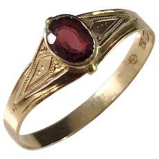 Edwardian c year 1900, 18k Gold Garnet Ring. Sweden maker ED.