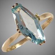 G Dahlgren, Sweden year 1930, Art Deco 18k Gold Topaz Ring.