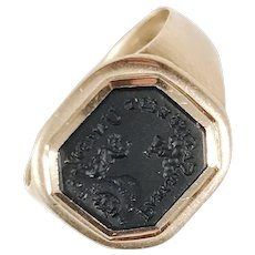 Fyrwald and. Selinder, Stockholm year 1804, Georgian 18k Gold Onyx Signet Ring.