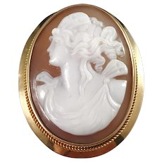 Johan Petersson, Stockholm year 1916 Antique 18k Gold Cameo Brooch. Excellent