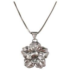 Parck & Co, Stockholm year 1948 Mid Century Solid Silver Flower Pendant Necklace