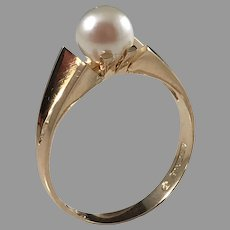 Alton Sweden year 1970, 18k Gold Cultured Pearl Ring.