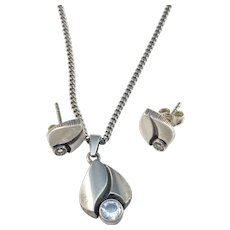 Karl Laine for Finnfeelings Finland Vintage Sterling Silver Rock Crystal Set of Stud Earrings and Pendant Necklace.