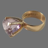 Johan Petersson, Stockholm year 1962 Modernist 18k Gold Amethyst Ring.